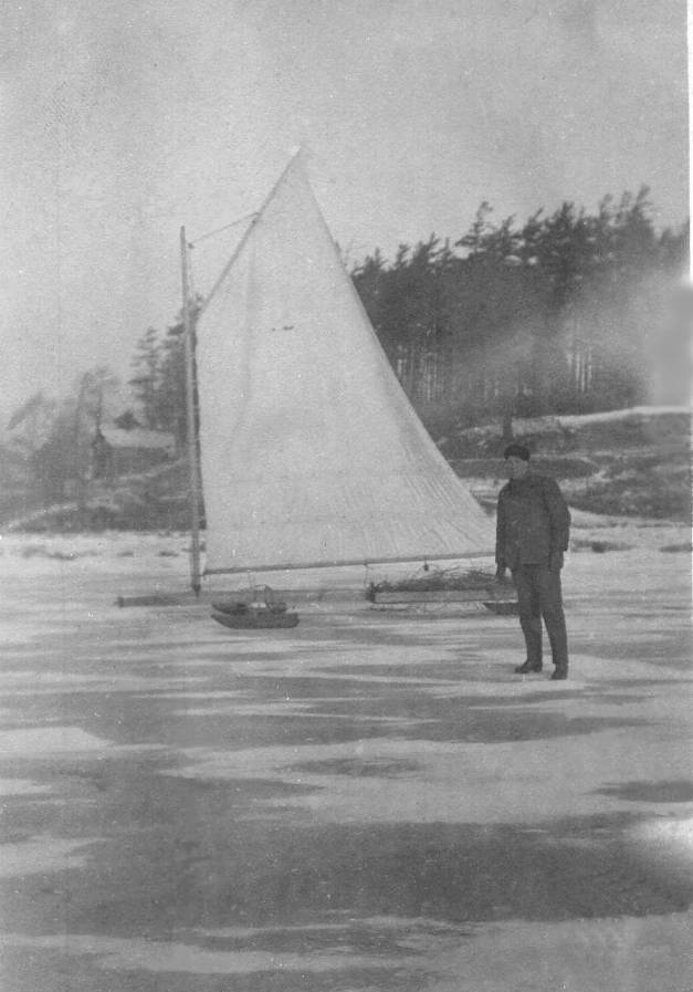 William (Bill) Burnison with iceboat on Burlington Bay, Aldershot, ca 1910
